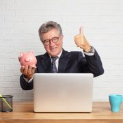Mercado de consignado cresce e continua sendo a opção mais viável de empréstimo